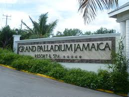 Private Montego Bay Airport transfer to the grand Palladium Lady Hamilton Resort